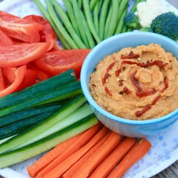 spicy hummus, hummus, snack, healthy snack, recipe, snack ideas